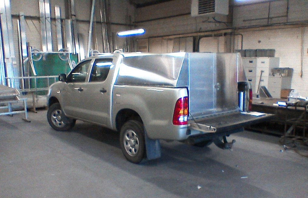 Pick-Up Vehicle Storage Cabinet